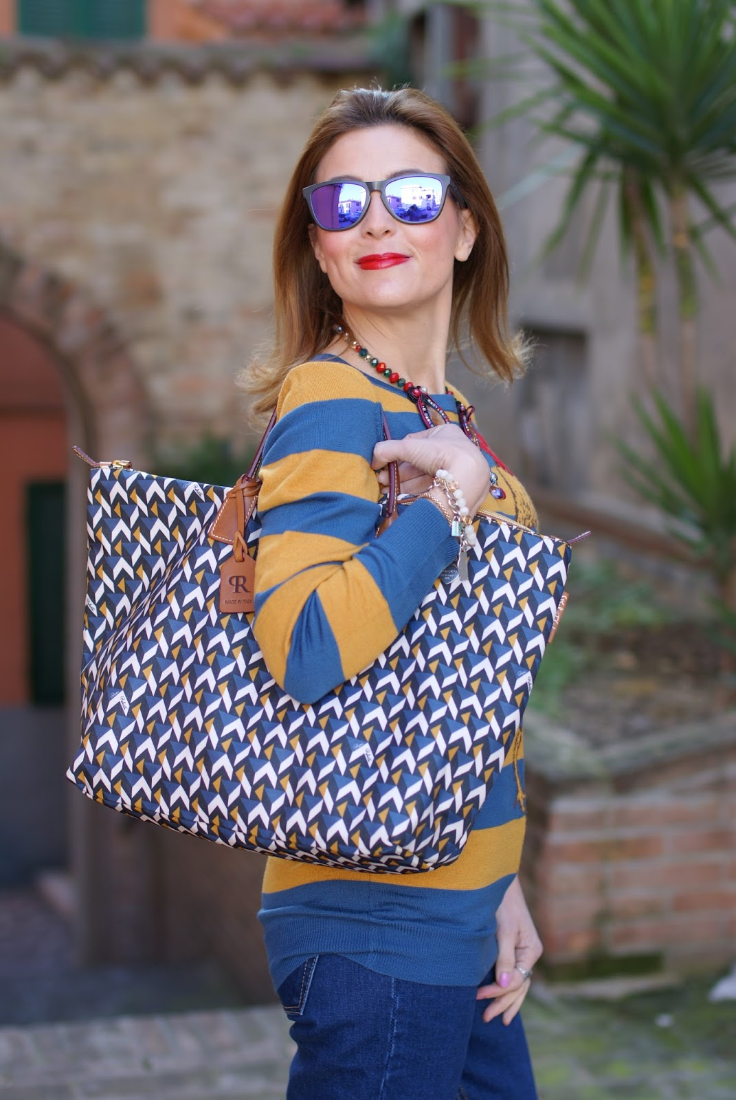 Easter holidays look with Roberta Pieri Robertina bag on Fashion and Cookies fashion blog, fashion blogger style