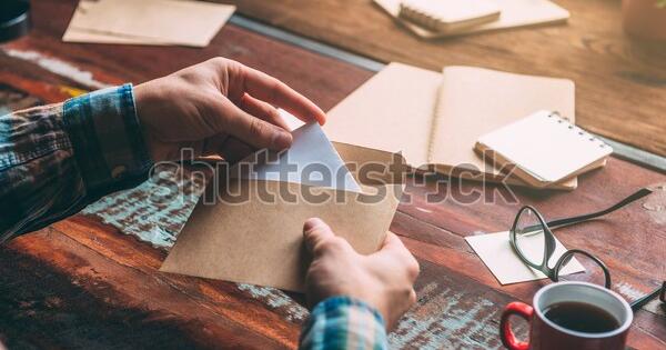 Bagaimana Amplop Surat Pengunduran Diri Yang Baik Dan Benar?