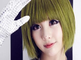 Hình ảnh tóc nhuộm màu vàng rêu