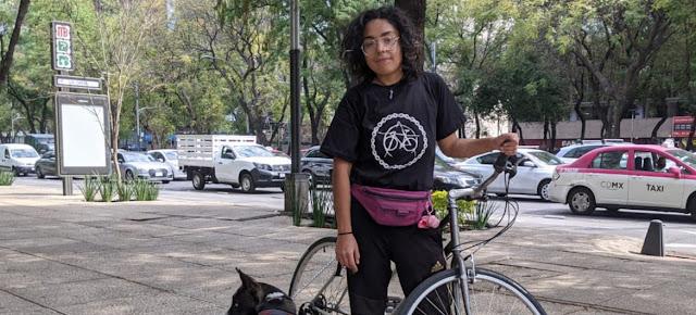 Xochitl Álvarez es una repartidora mexicana que utiliza la bicicleta como medio de transporte y subsistencia.ONU México/Luis Arroyo