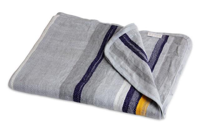 selimut dan bantal di pesawat ternyata berbahaya