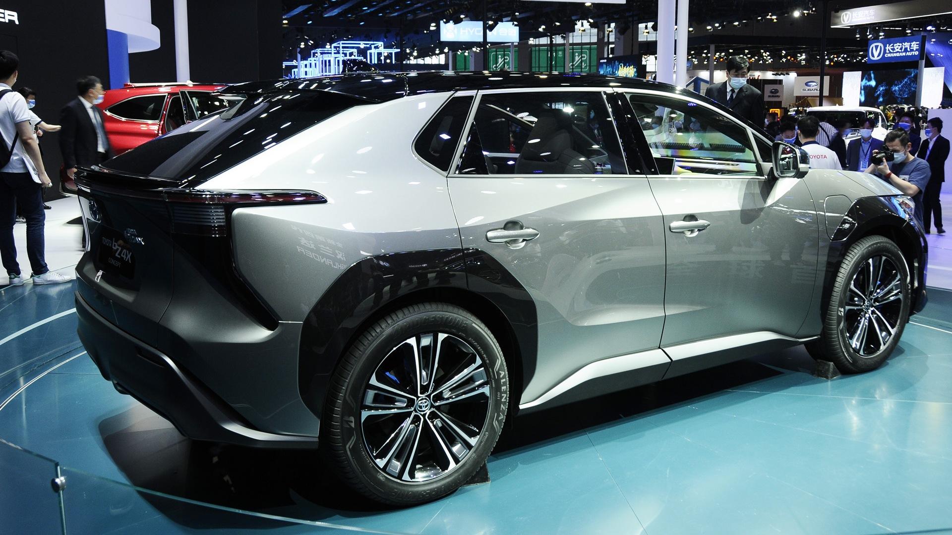 Toyota akan fokus beralih dari mobil hybrid ke mobil listrik