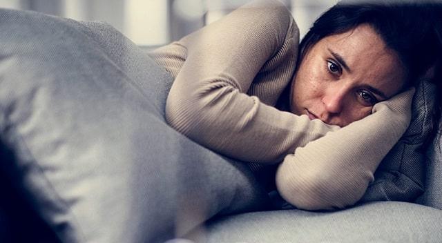 how to handle depressive episodes in public