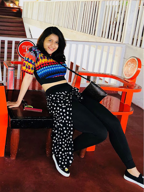 Telugu Actress Mannara Chopra Latest Photos Navel Queens