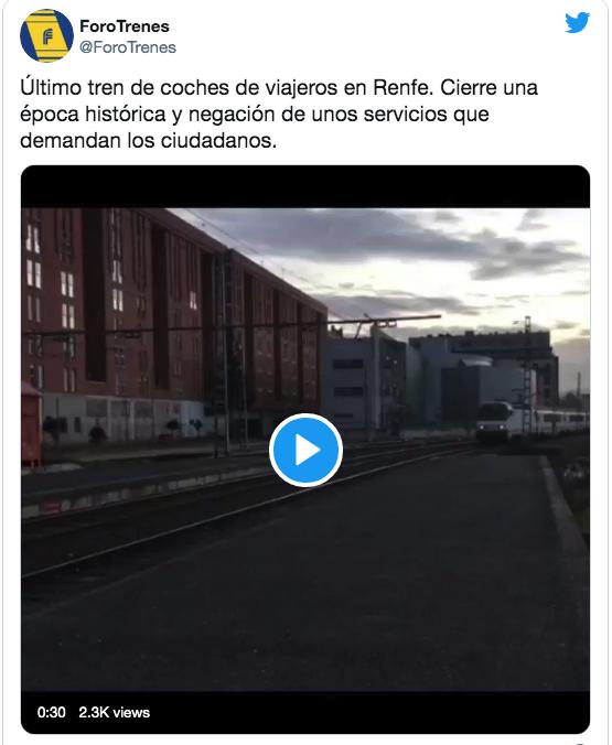"""El último tren comercial -este invierno- de los coches """"Arco"""" al servicio de Renfe"""