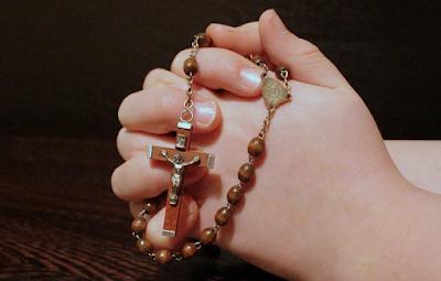Kumpulan 27+ Langkah-Langkah Berdoa Rosario yang Baik dan Benar