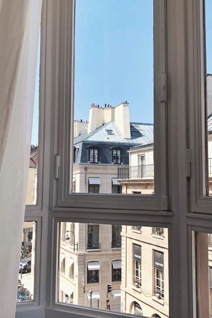 Vue depuis un bâtiment parisien