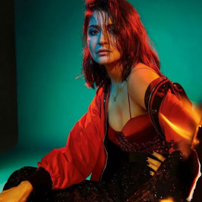 Indian actress Anushka Sharma Hot Photos