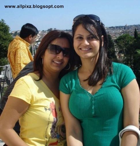 Special Desi Girls Pakistani Beautiful Girls Are Showing -5802