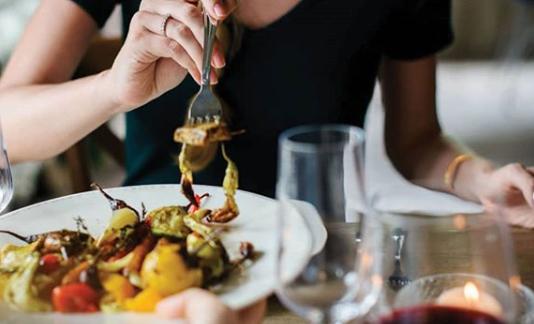 Etika makan unik dan aneh yang tidak biasa di Beberapa negara