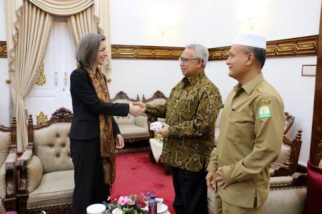 Gubernur : Non Muslim Harus Menghormati Hukum Syariat Islam di Aceh