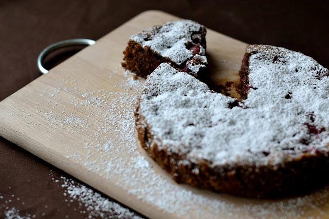 Feiner Schokokuchen von Carla von Herbs & Chocolate zum Blogevent der münchnerküche.