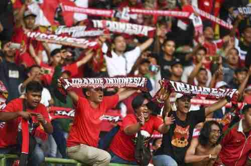 Suporter Indonesia Diserang Suporter Malaysia, Warganet Tidak Diam