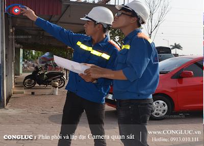 Các kỹ sư của Camera Cộng Lực đang khảo sát khu vực lắp camera giám sát