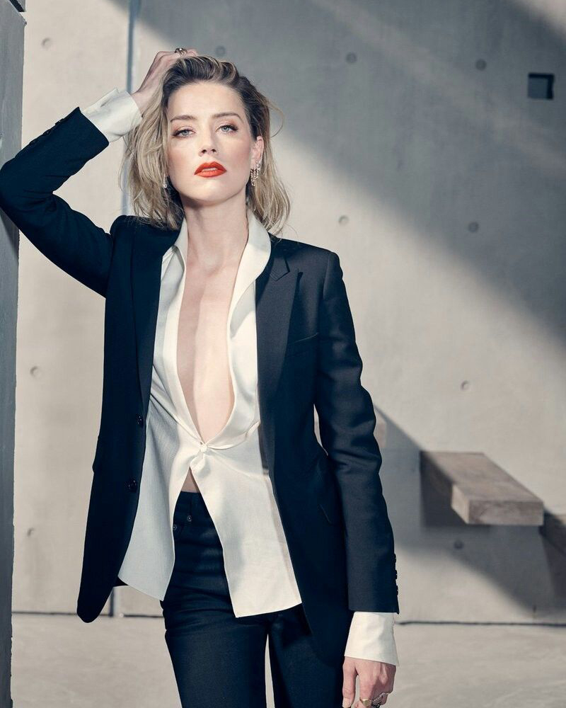amber heard body language sexy black Suite