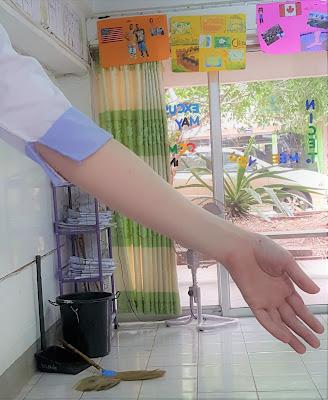 uniform for teaching in Thailand