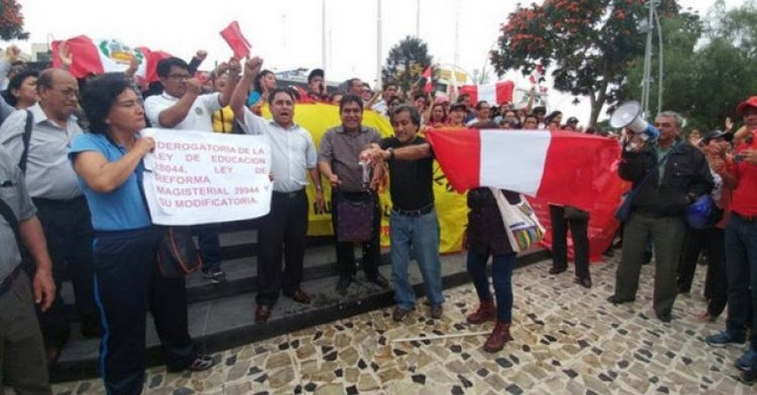 Docentes de San Martín y Tocache iniciarán huelga indefinida