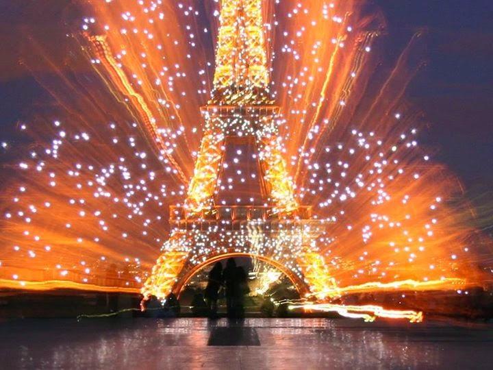 Foto Perayaan Tahun Baru di Menara Eiffel Paris - Kahaba - Angi