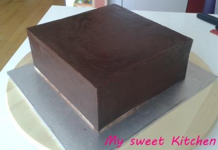 eckige torte f llen g nstige k che mit e ger ten. Black Bedroom Furniture Sets. Home Design Ideas