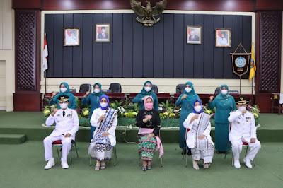 Riana Sari Arinal Lantik Ketua TP PKK Dan Dekranasda Pesisir Barat
