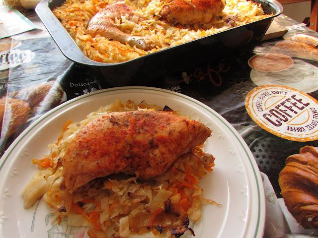 Kurczak w piekarniku z ryżem i warzywami