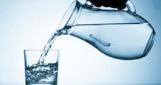 Minum AIr Putih Anak