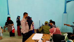 Binmas Polsek Dayeuhkolot Polresta Bandung, Pantau Penyaluran Bantuan Sosial Tunai