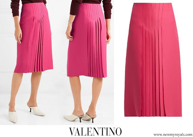 Queen Rania wore Valentino pleated silk and wool blend midi skirt