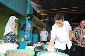 Gubernur Irianto Pastikan Pasokan Barang Pokok Masih Aman