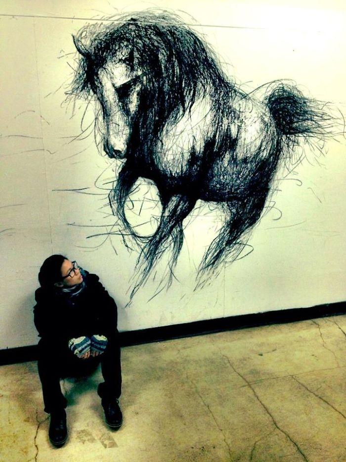 11-Horse-Fiona-Tang-2D-Sketches-that-Become-3D-Animals-www-designstack-co