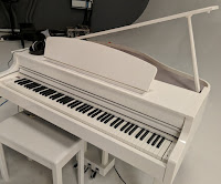 Yamaha CLP665GP digital grand piano