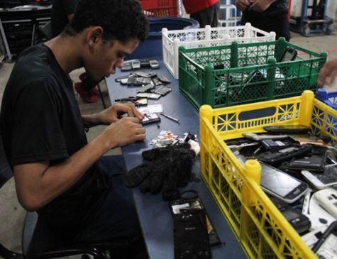 Governo doará celulares apreendidos em presídios