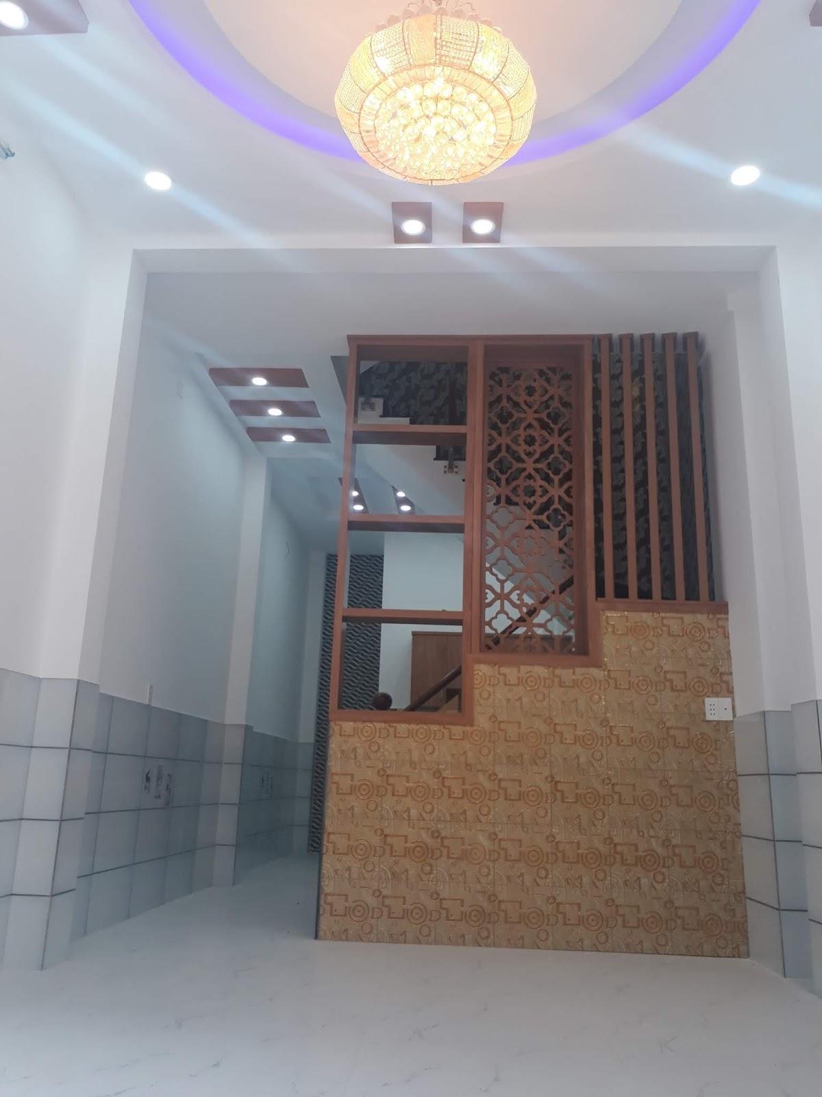 Khu nhà mặt tiền đường Phạm Thế Hiển, phường 7, Quận 8. DT 4x11,6m