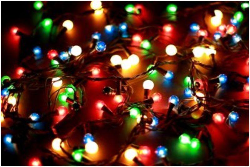 Πόσο ρεύμα καίνε τα χριστουγεννιάτικα λαμπάκια του δέντρου σας