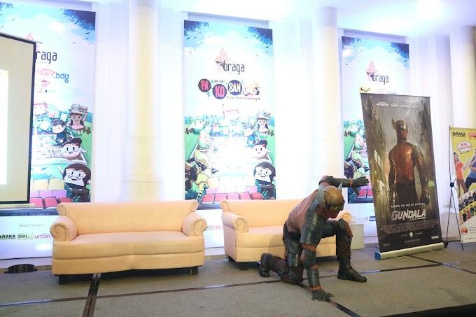 Peluncuran Perdana Kostum Gundala Disambut Meriah oleh Warga Bandung