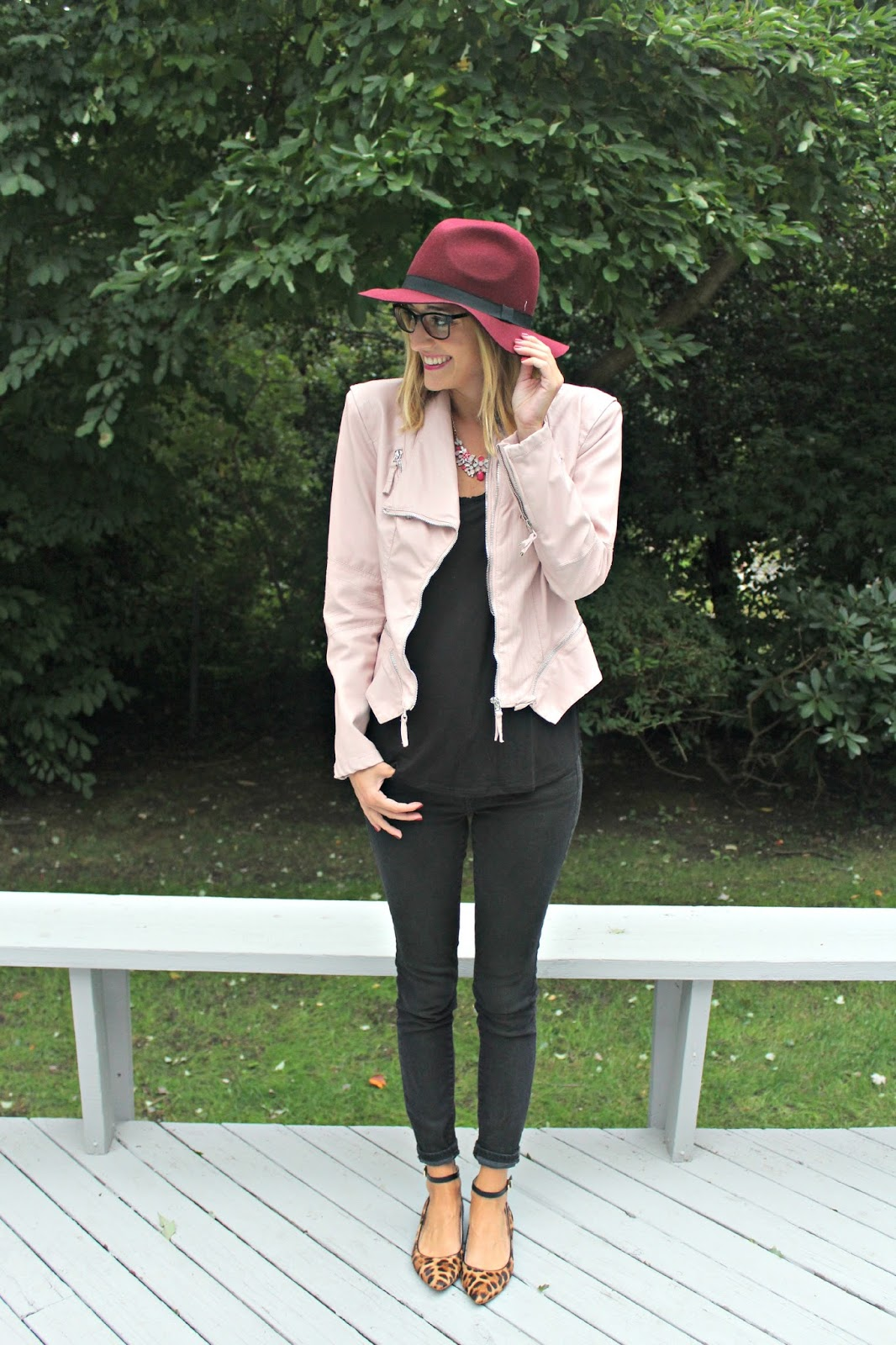 black and pink fall outfit