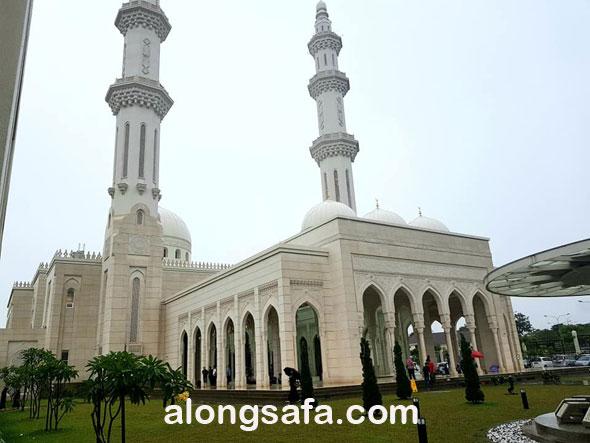 Singgah Masjid Sri Sendayan Yang Masyhur tu..