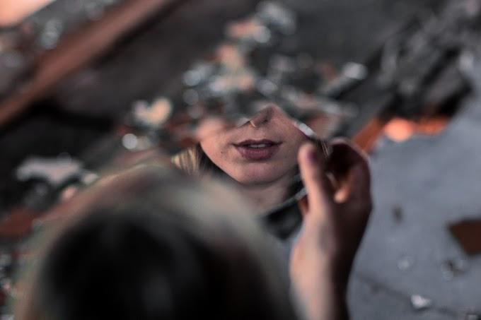 Cerpen: Bayangan Cermin