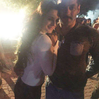 Salaman Khan With Asmita Patil