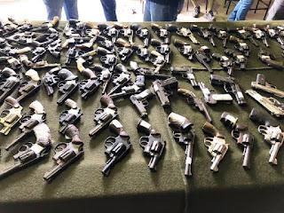 Armas apreendidas e destruídas