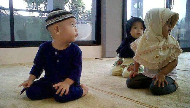 Ya, doa…doa…dan doa. Sebab, doa adalah senjata seorang mukmin.