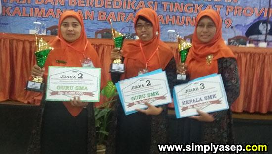 KUBU RAYA :  TIM Kubu Raya yang meraih juara juara di Pemilihan Guru dan Tenaga Kependidikan Berprestasi dan Berdedikasi Tingkat Provinsi Kalimantan Barat Tahun 2019 yang berlangsung di Kapuas Palace Pontianak Rabu (19/6).  Foto Asep Haryono