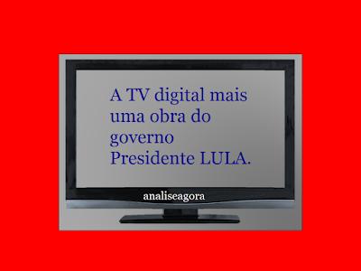 A imagem mostra um aparelho de televisão com a qualidade de definição digital.
