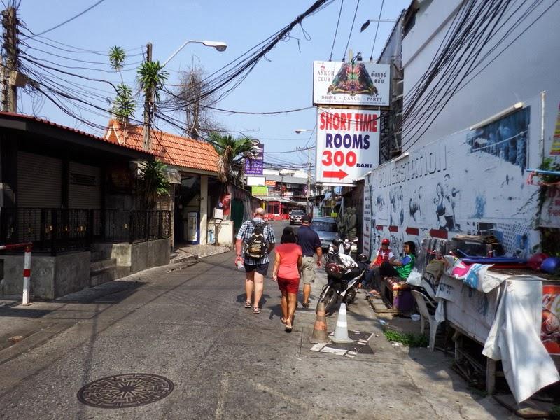 0342c90d465 Kes kaebab et Pattaya rannas on vesi must siis siin Koh Larnil on 4-5 randa  lasuursinise veega. Mina külastasin seekord Ta Waen randa mis on sadamast  kõige ...