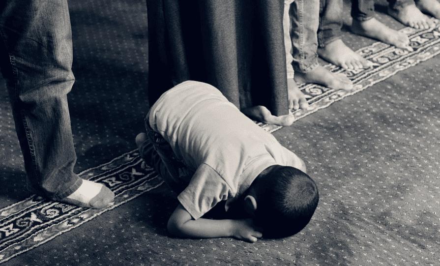 8 Ciri Umat Islam yang Ikhlas dalam Beribadah
