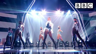 Zara Larsson Shook Rattled & Rolled Unleashing A Hypnotizing  Performance Of Her Single  'WOW'!