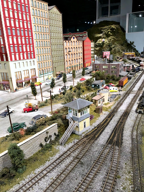 Want to visit the world's largest indoor model train display? Then you definitely need to plan a visit to Entertrainment Junction during your stay in Butler County, Ohio!