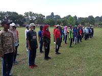 Kejar Target, Serda M. Pasaribu  Gembleng  Paskibra di SMA Negeri 1 Tiga Dolok