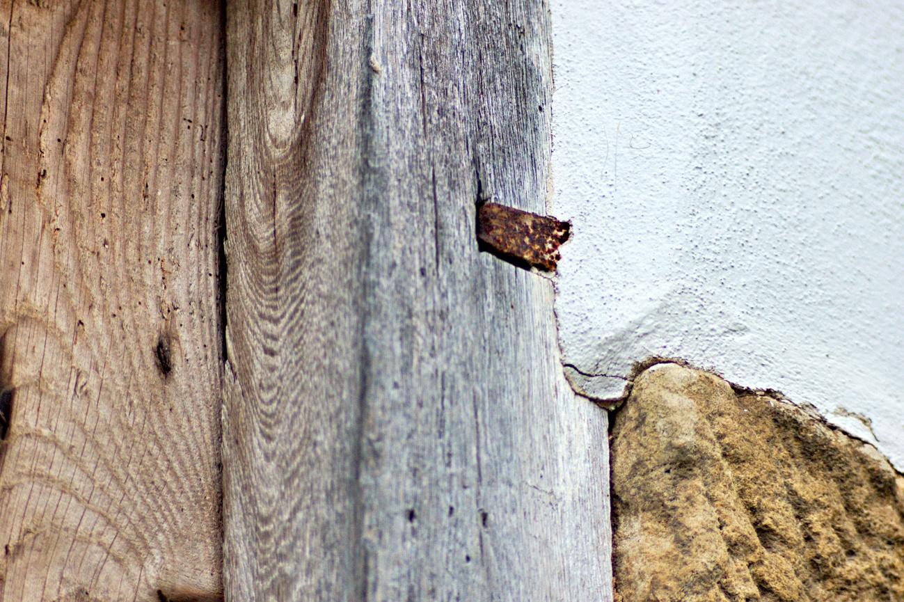 Spuren&Strukturen #4 - Fassaden&Mauern #18 — Nichts halbes und nichts ganzes
