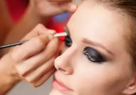 Cara Tersembunyi Menggunakan Makeup drefes.com fashion blog
